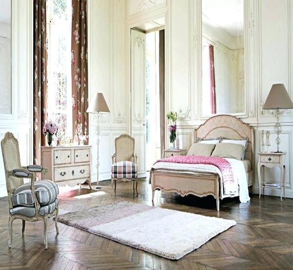 Decorating Vintage Bedroom Ideas