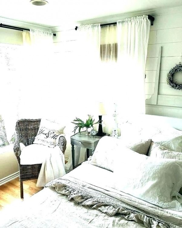 farmhouse bedroom ideas cozy rustic farmhouse bedroom ideas o vintage romantic bedding design simple and in