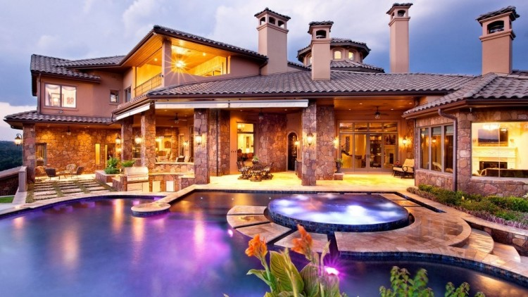 Custom built swimming pool and outdoor living space designed and built by Georgia Classic Pool