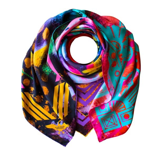 Vibrant Blue OSCAR DE LA RENTA Silk Designer Scarf
