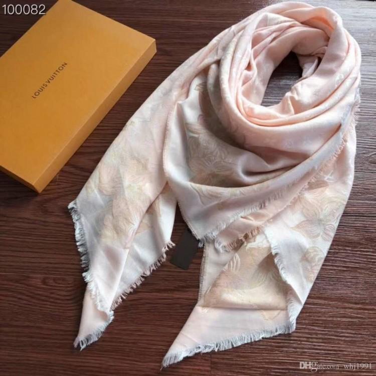 Stunning OSCAR DE LA RENTA Teal Silk Designer Scar